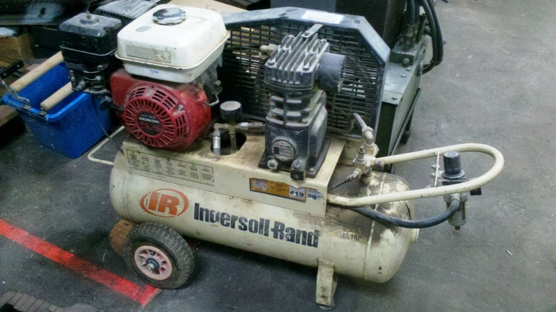Compressor Ingersol Rand mobile, 5.5hp Honda engine, aprox 12cfm