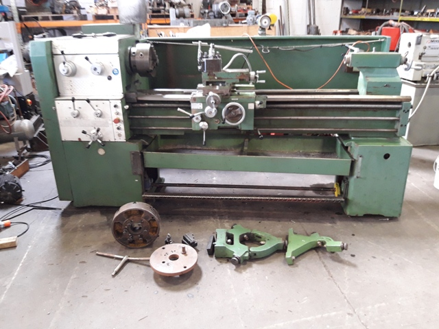Lathe CD6250B, 65 spindle 500 swing plus gap, 1500 bewteen centres, 3 and 4 jaw chucks, two steadies, quickchange toolpost