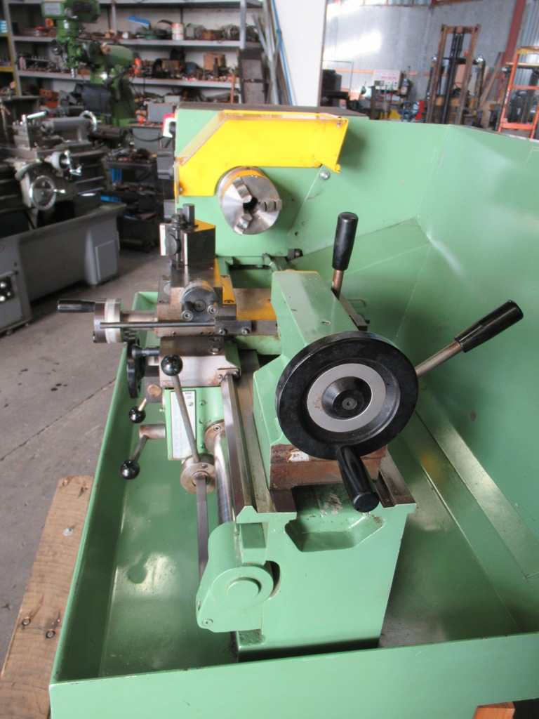 Lathe Boxford STS, 3 and 4 jaw chucks,quickchange toolpost,  face plate and steadies in as new condition, Mint