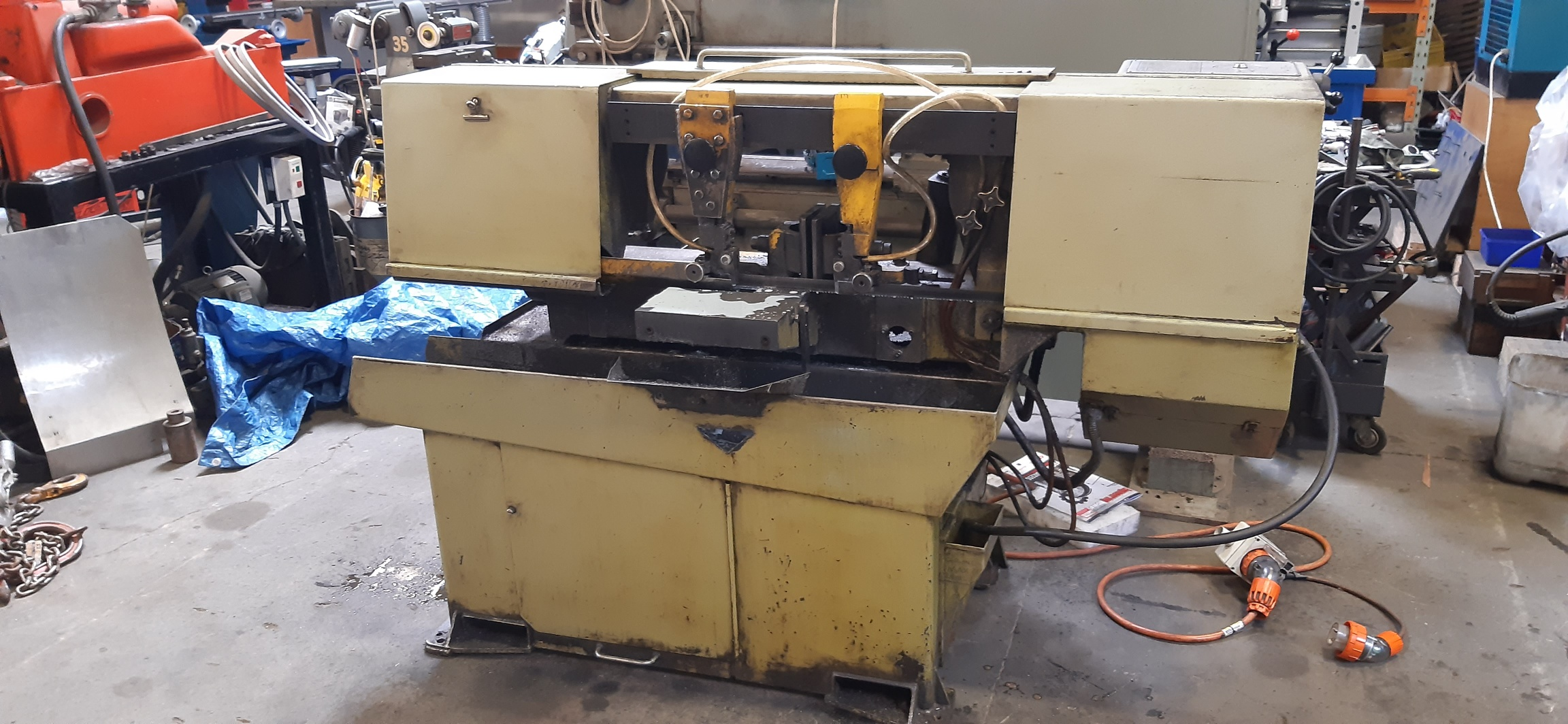 Bandsaw Startrite (England)250mm 3 phase semi auto, hydraulic vise, lift and blade tension