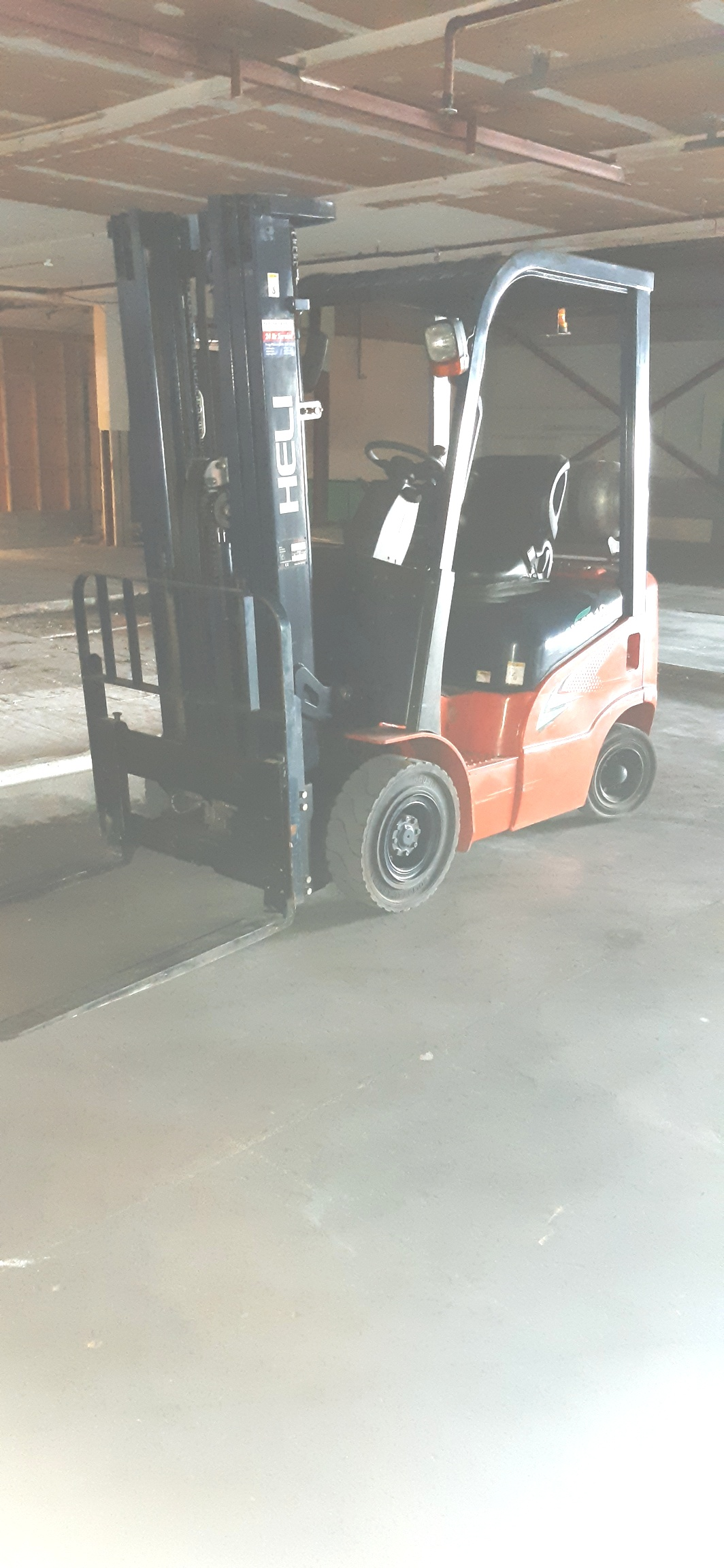 Forklift Heli, 1800kg, 4800mm lift height, sideshift 2013, 1290 hours