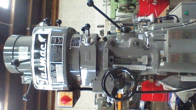 Turret milling machine New(bridgeport) Tasmac X6323A single phase NT30 3 axis DRO, 1 axis power feed, Table 1250x230mm