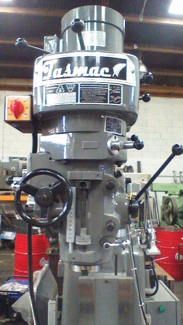 Turret milling machine New(bridgeport) Tasmac X6323A single phase R8 3 axis DRO, 1 axis power feed, Table 1246x230mm
